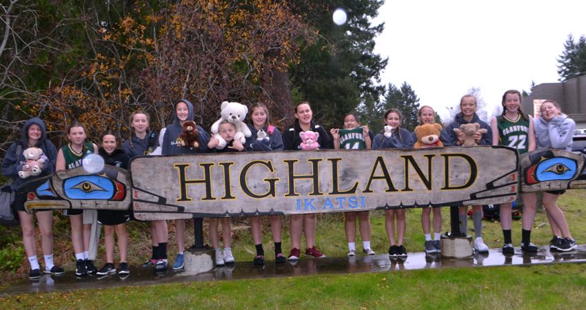 Senior Girls Basketball Team make their annual pilgrimage to Courtenay.